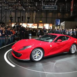 Noul Ferrari 812 Superfast